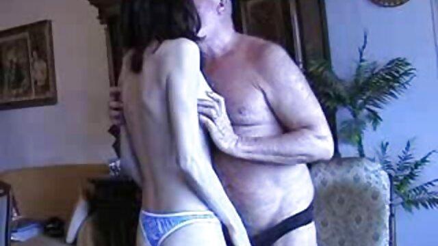 बड़े स्तन और उसके दोस्त की एक्स एक्स एक्स सेक्सी मूवी इंग्लिश में खुशी प्रकट करने के लिए एक दौर गधे से चिढ़ लड़कों, एक बूढ़े कुत्ते कराह रही तला हुआ