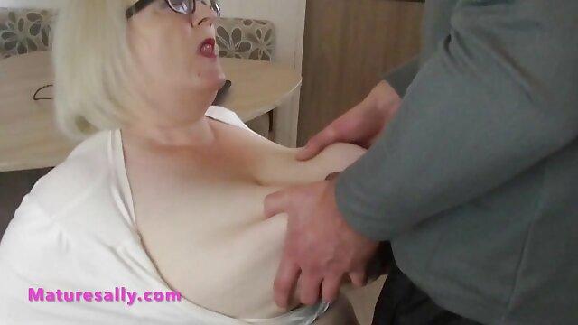 बड़े चूतड़ सेक्स