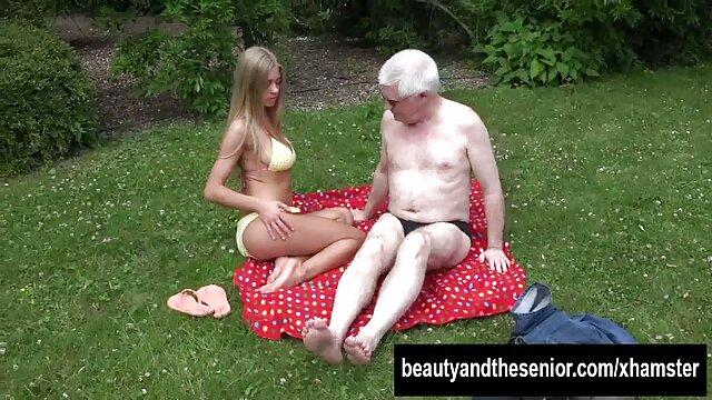 उसके पति के कार्यालय में एक पार्टी में, वह अपने अमीर के प्यार से इंग्लिश सेक्सी मूवी वीडियो में मुलाकात की, और वह एक साल पहले की तरह अपने गुदा चाट रहा था और रूसी लड़की यह करने के लिए सहमत हो गया है अगर वह सभी वर्ष उसे रखने का वादा किया है, लेकिन वह उसे चूसना भी था क्योंकि आश्चर्य वहाँ अंत नहीं है. और खुद को एक बड़ा देने के लिए
