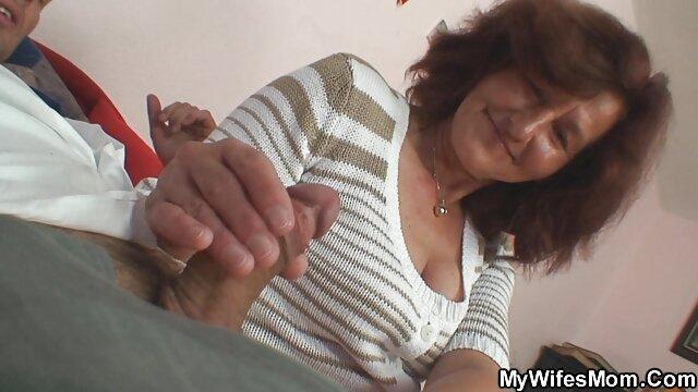 फ्रेंच माँ, अपने प्रेमी के साथ एक रिश्ता इंग्लिश सेक्स मूवी फुल है