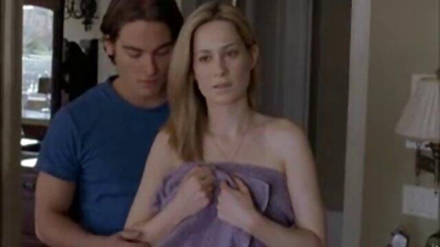 अधेड़ औरत बिन चुदाई मस्ती सेक्सी मूवी इंग्लिश वीडियो मूठ मारना बिस्तर